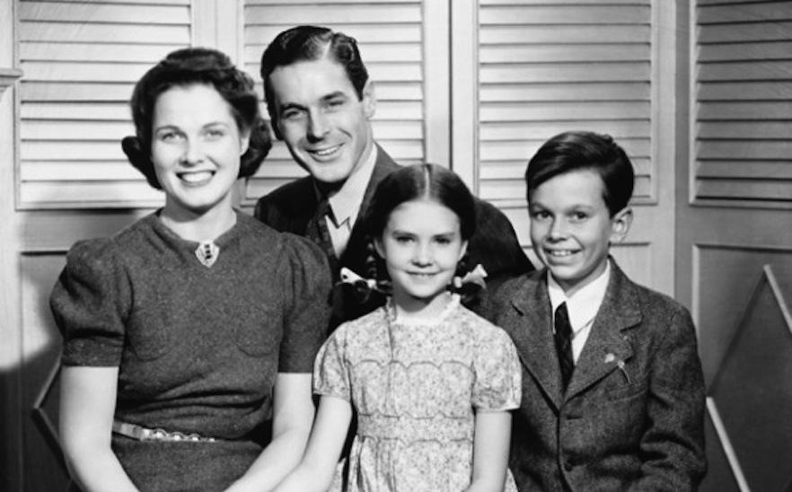 """Résultat de recherche d'images pour """"couple with kids 1950"""""""